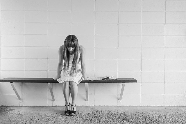 WHAT CAUSES ANOREXIA NERVOSA